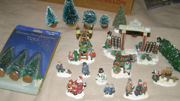 cobblestone corners windham heights christmas village figure accessory lot a
