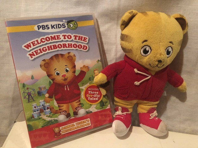 Ebluejay Pbs Kids Fred Rogers Daniel Tigers Neighborhood Gift Set Stuffed Daniels 3 Episode Dvd